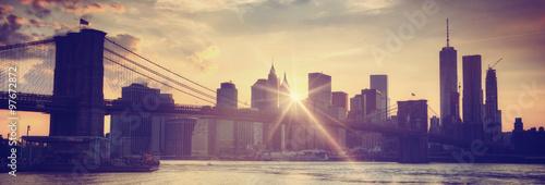 Poster Brooklyn bridge at dusk, New York City