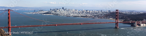 Poster Golden Gate bridge seen from Marin County, with view of San Francisco across the bay on a clear winter's day