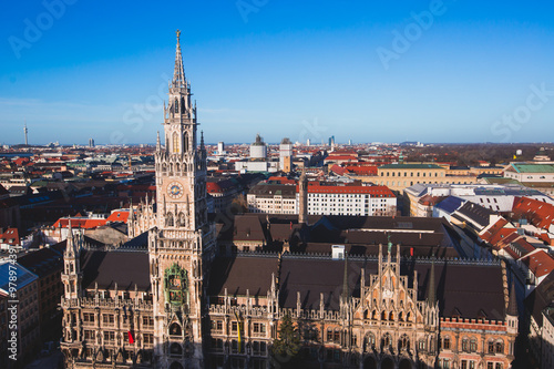 Foto op Canvas Milan Beautiful super wide-angle sunny aerial view of Munich, Bayern, Bavaria, Germany with skyline and scenery beyond the city, seen from the observation deck of St. Peter Church