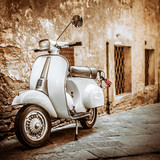 Fototapety Italian Scooter in Grungy Alley, Vintage Mood