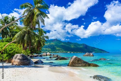 Foto Murales Baie Beau Vallon - Beach on island Mahe in Seychelles