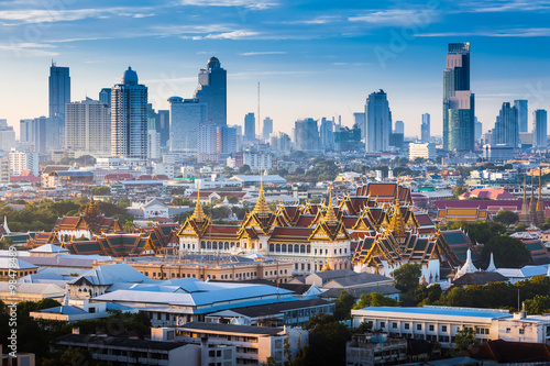 Foto op Canvas Sunrise with Grand Palace of Bangkok, Thailand