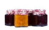 Barattolo di marmellata in primo piano, marmellata in barattoli, sfondo bianco
