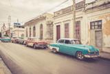 Oldtimer an der Straße   Kuba