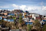Quartier coloré de Guatemala City - 99294609