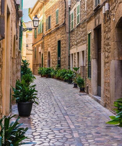 Idyllic view of a old mediterranean alleyway