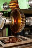 Maquinado de engranaje en generadora