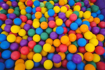 Colored sponge balls © WavebreakMediaMicro