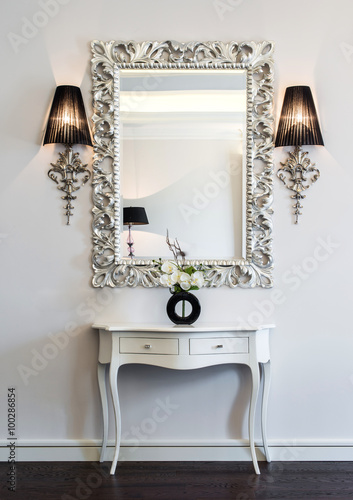 dressing table avec un grand miroir poster affiche acheter le sur. Black Bedroom Furniture Sets. Home Design Ideas