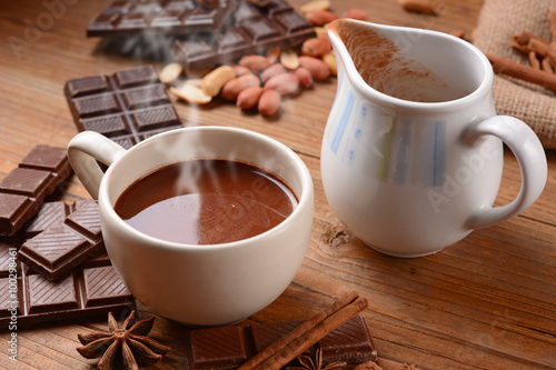 Fotobehang Chocolade squisita cioccolata calda nella tazza