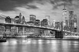 Fototapety Manhattan and Brooklyn Bridge black and white, New York