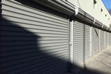 metal doors - 100550671