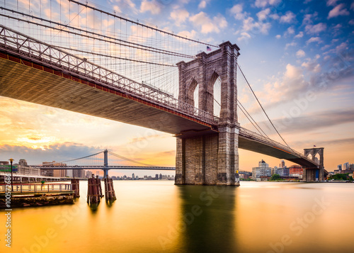 Brooklyn Bridge in the Morning in New York City, USA. - 100572686