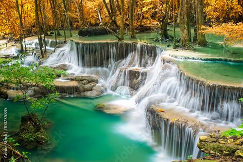 Zdjęcia na płótnie, fototapety na wymiar, obrazy na ścianę : waterfall in autumn forest