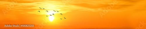 Fototapeta atardecer dorado en panoramica