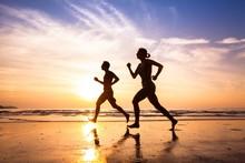 """Постер, картина, фотообои """"runners on the beach, sport and healthy lifestyle"""""""