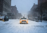 Fototapety New York City Yellow Taxi Cab in the Snow