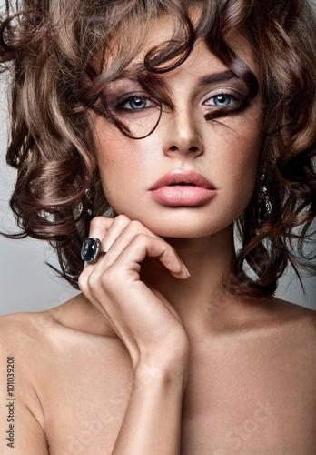 Beautiful woman model with professional makeup, in jewelry. Luxu © Svetlana Fedoseeva