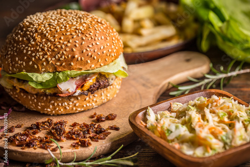 fast food restaurant 2 essay