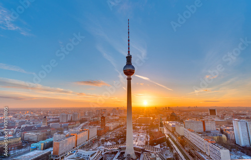 Foto op Canvas Berlijn Beautiful sunset with the Television Tower at Alexanderplatz in Berlin
