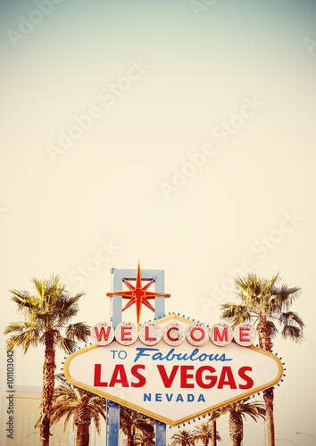 In de dag Las Vegas Retro stylized Welcome To Las Vegas Sign with copy space.