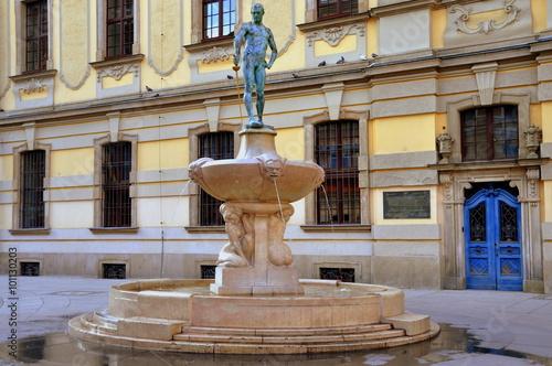 Breslau - Fechterbrunnen vor dem Universitätsgebäude © thauwald-pictures