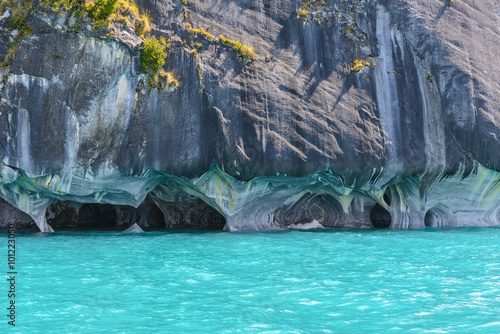 Papiers peints Turquoise Marble Caves of lake General Carrera (Chile)