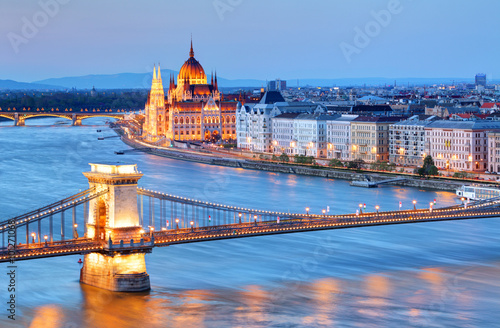 Poster Panorama of Budapest, Hungary, with the Chain Bridge and the Par