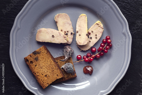 Foie gras tranch assiette grise stock photo and royalty for Assiette foie gras decoration