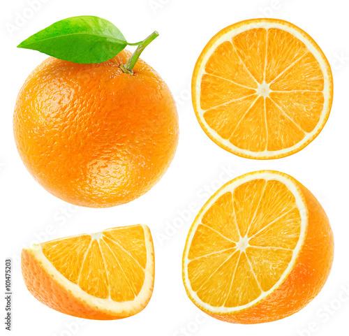 Kolekcja izolowanych całych i ciętych pomarańczy