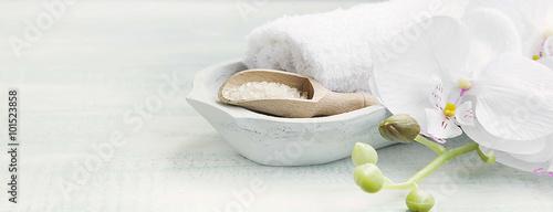 Leinwanddruck Bild Spa still life with bath salt