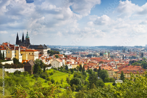 Fotobehang Vestingwerk View over historic center of Prague with castle, Czech Republic
