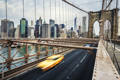 Foto op Canvas New York TAXI View of Brooklyn Bridge