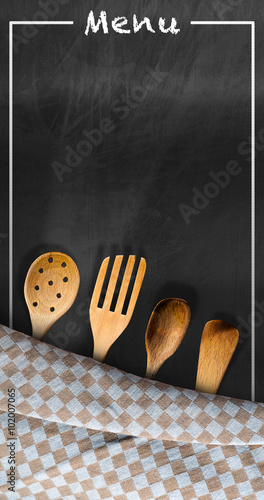 menu-tablica-z-przybory-kuchenne-pusta-tablica