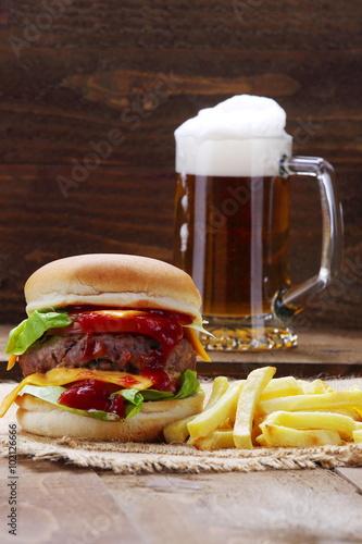 Poster Hamburger , birra e patatine