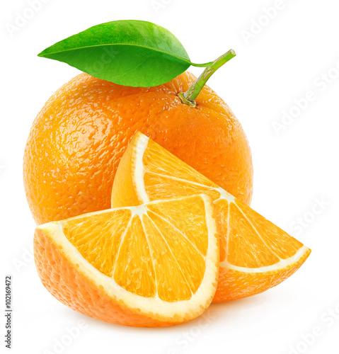 Odosobniona pomarańczowa owoc i plasterki