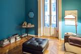 interno appartamento arredato con gusto e stile vintage - 102198422