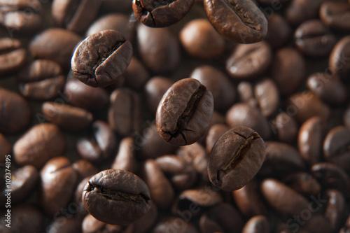 Fotobehang Koffiebonen Coffee beans macro