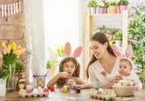 Fototapety family preparing for Easter