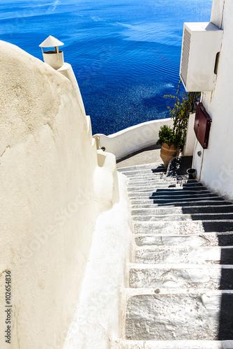 Foto op Canvas Santorini Schmale steile Treppen in Santorini ( Oia )