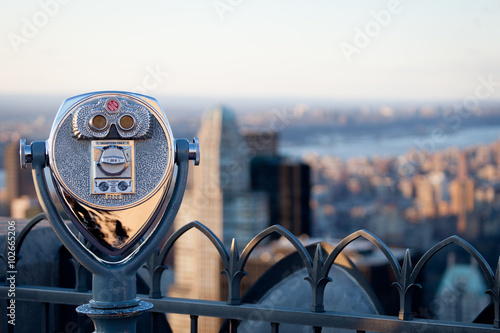 Deurstickers New York Observation Deck binoculars