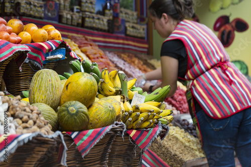 Foto op Plexiglas Indonesië FUNCHAL, PORTUGAL - JUNE 25: Fresh exotic fruits in Mercado Dos