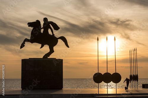 Poster Silhouette of Alexander the Great Statue at sunrise. Thessalonik