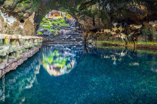 Belle cave à Jameos del Agua, Lanzarote, Îles Canaries, Espagne Poster