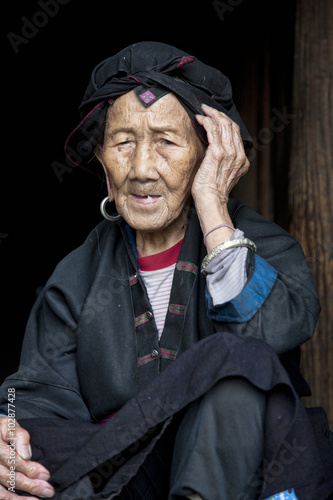 Keuken foto achterwand Guilin 96 year old woman from the Hong Yao Ethnic Tribe