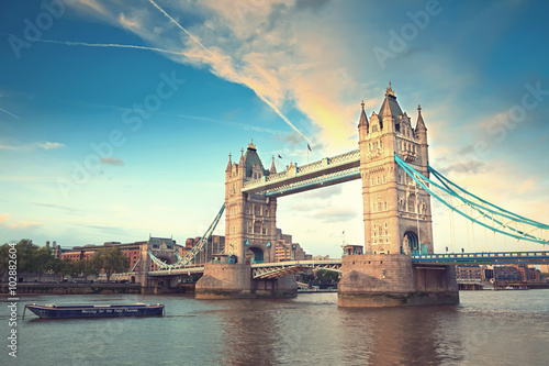 Foto op Canvas Londen Tower bridge at sunset, London