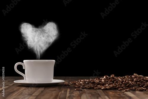 Poster Herz aus Dampf über Tasse Kaffee