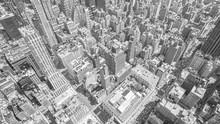 Черно-белая тонированное с высоты птичьего полета Манхэттен, Нью-Йорк.