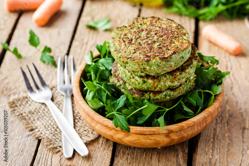 veggie burger with spinach and vegetables