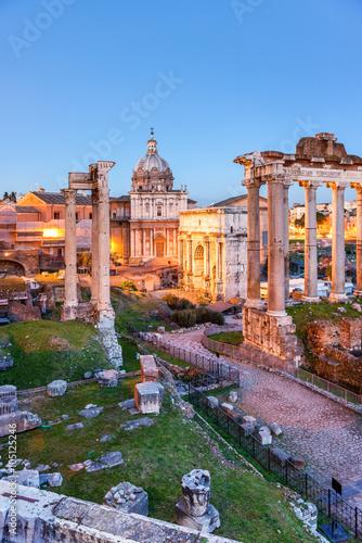 forum-romanum-w-rzymie